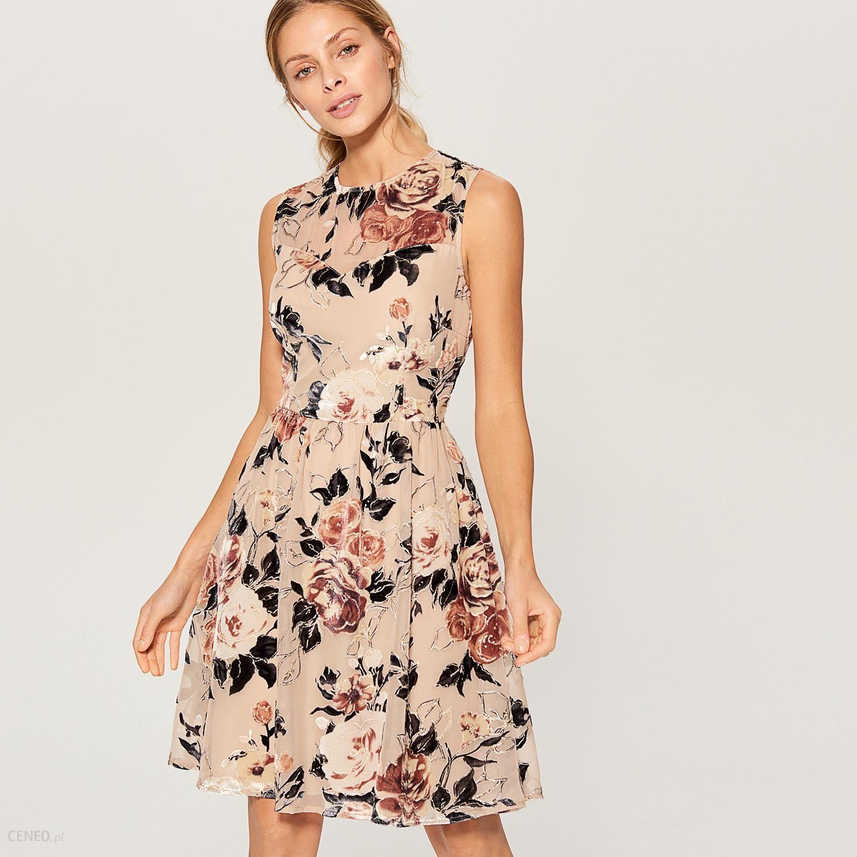 ccbed29e2e Mohito - Rozkloszowana sukienka w kwiaty - Wielobarwn - Ceny i ...