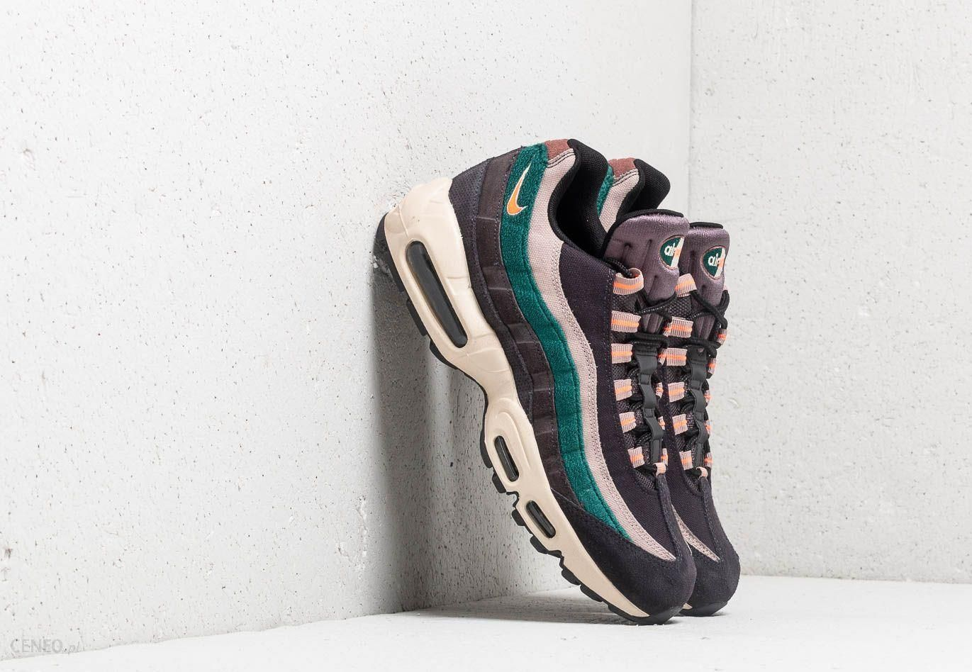 the latest 50% off undefeated x Nike Air Max 95 Premium Oil Grey/ Bright Mango