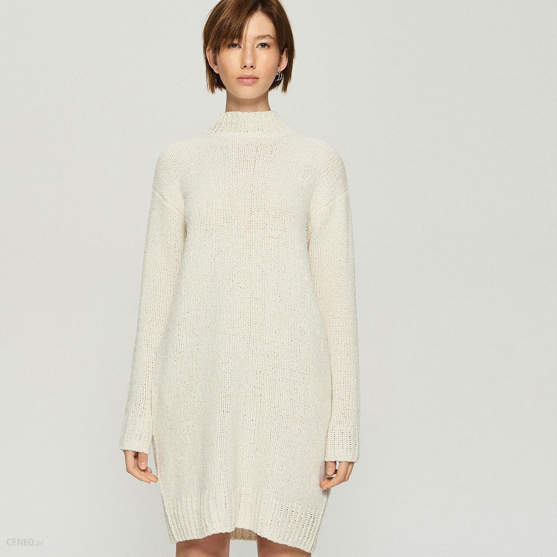 282c6b692e Sinsay - Dzianinowa sukienka oversize - Kremowy - Ceny i opinie ...