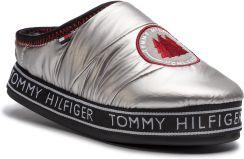 a528d22b9dd51 Kapcie TOMMY HILFIGER - Downslipper Patch FW0FW04182 Silver 000 eobuwie