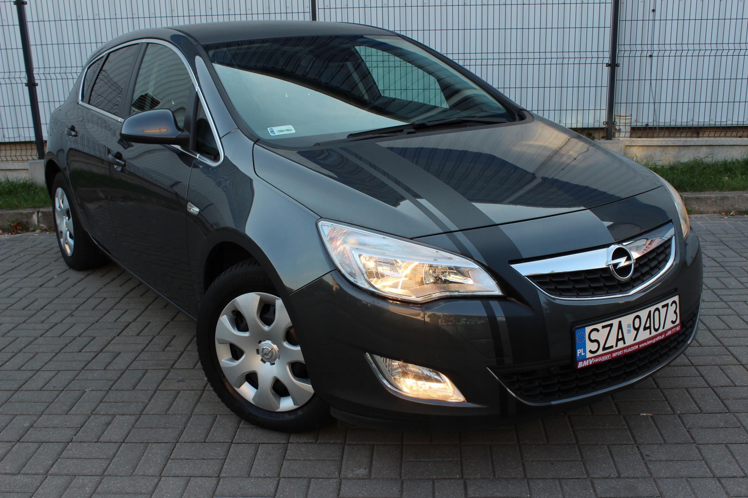 Opel Astra 1 6 Benzyna Automat Uszanowane Cosmo Opinie I Ceny Na Ceneo Pl