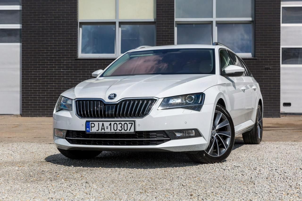 Skoda Superb 4x4 Laurin Klement Combi 2 0 Opinie I Ceny Na Ceneo Pl