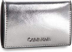 7a1eb70e1e02c Mały Portfel Damski CALVIN KLEIN - Small Wallet Met K60K604961 067 eobuwie
