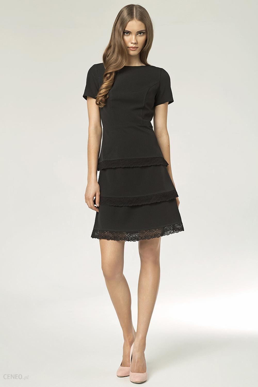 Modernistyczne Czarna Elegancka Sukienka z Wypustkami z Czarnej Koronki - Ceny i NL76