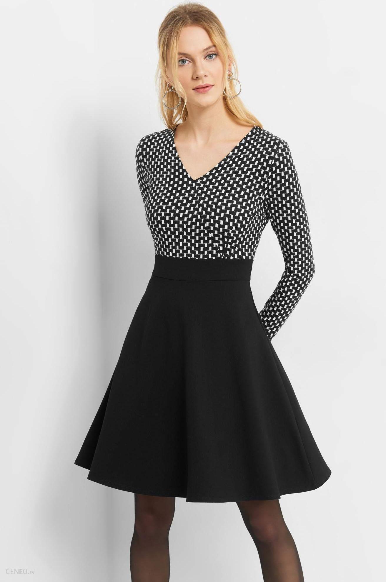 930cf2243f4 ORSAY Rozkloszowana sukienka