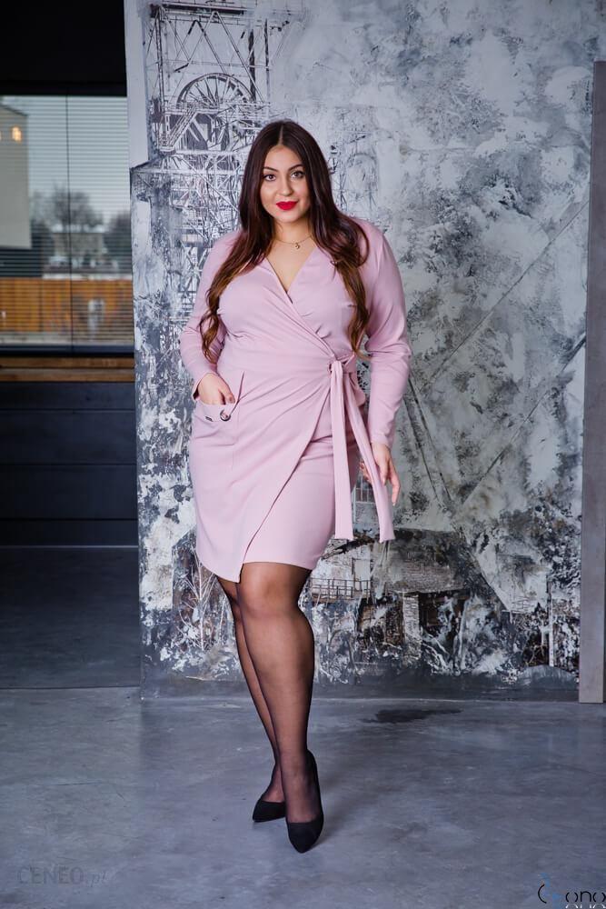 bbfaecaad2 Różowa Sukienka Damska KIMBERLY Kopertowa Size Plus - różowy - zdjęcie 1