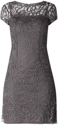 01200e9db4 Sukienka koktajlowa z siateczki z ozdobnymi tasiemkami Niente ...