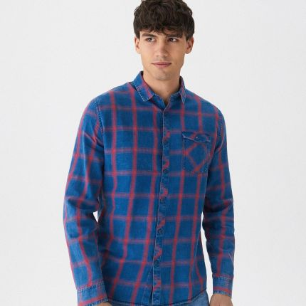 c7df349d4928 Podobne produkty do Reserved - Koszula w świąteczny wzór - Granatowy - męska.  House - Jeansowa koszula w kratę - Niebieski ...