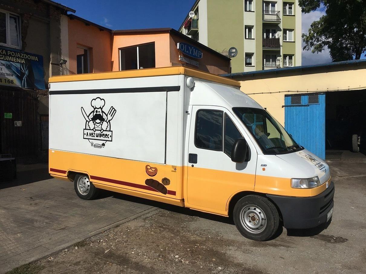 Auto Gastronomiczne Foodtruck Food Truck Wyposazen Opinie I Ceny Na Ceneo Pl