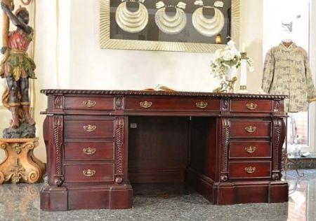 biurka z mahoniu