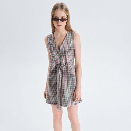 3558f7e6da Cropp - Trapezowa sukienka z paskiem - Czarny ...