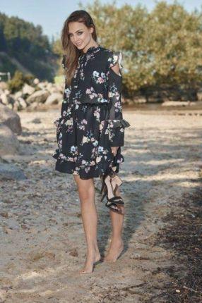 708fd76afd lemoniade Modna sukienka z wyciętymi ramionami L276 czarny w kwiatki