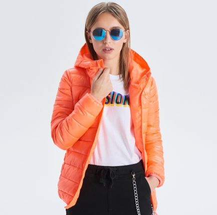 a23486f861b6e Cropp - Pikowana kurtka z kapturem - Pomarańczowy ...