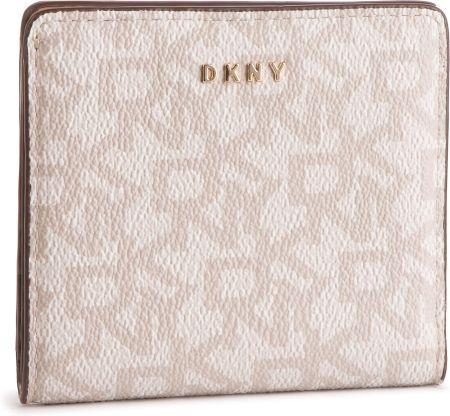 6e7cef169225b Mały Portfel Damski DKNY - Bryant Bifold Wallet Logo R83ZJ657 Hmp Logo Lat  HOK eobuwie