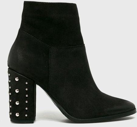 d3646073ec207 Podobne produkty do Czarne botki na słupku - Obuwie - Czarny. CheBello -  Botki answear