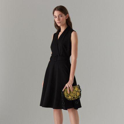 aa55aa1724 Mohito - Rozkloszowana sukienka z paskiem - Czarny Mohito