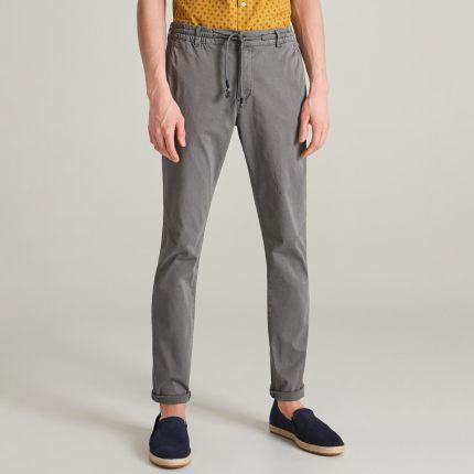 377b8b78 Podobne produkty do House - Materiałowe joggery - Czarny. Reserved -  Spodnie slim fit - Szary ...