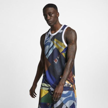 2e99b1a46 Męska koszulka z krótkim rękawem Nike Sportswear - Czerń - Ceny i ...
