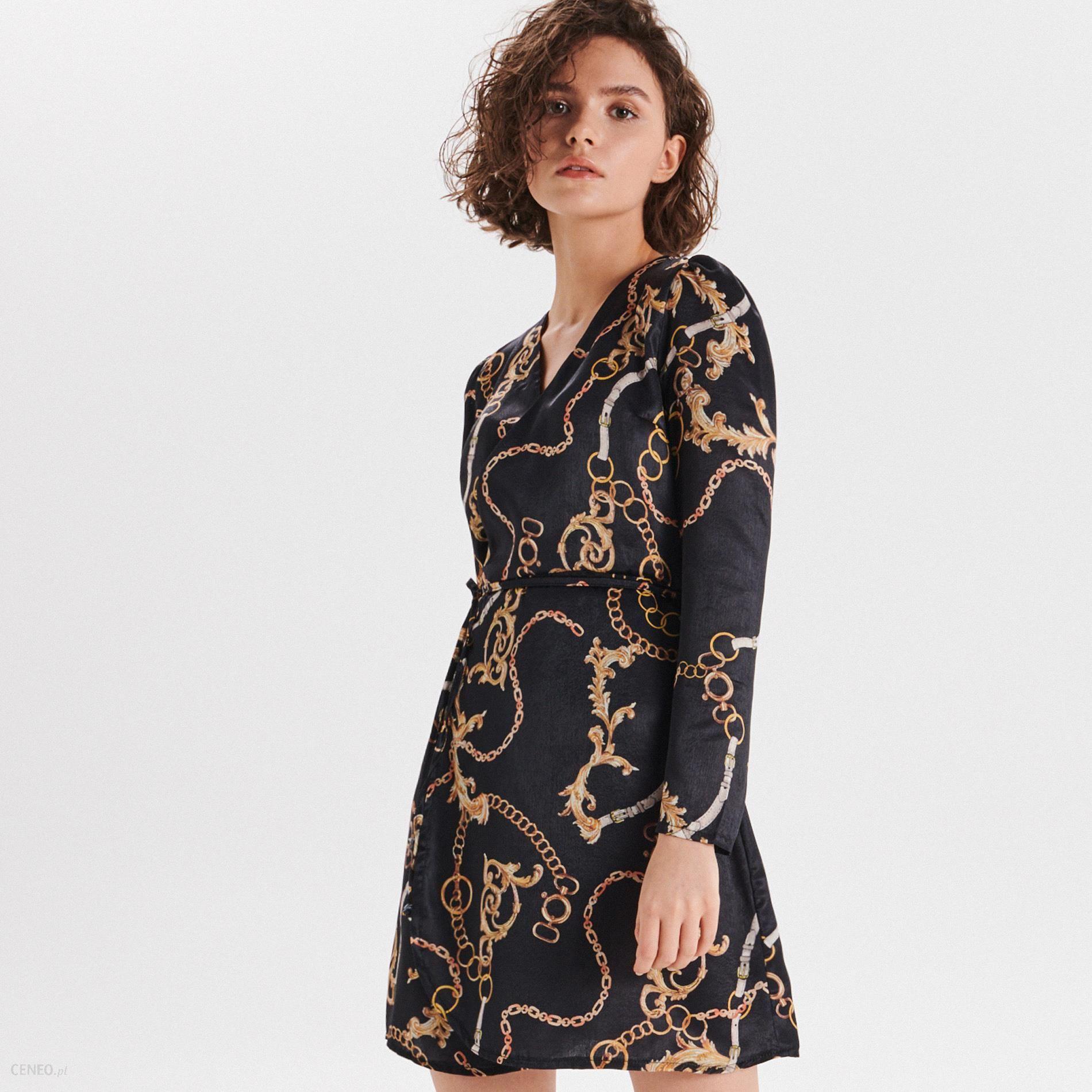 ed43fd248b1f8a Cropp - Sukienka z łańcuchowym wzorem - Czarny - Ceny i opinie ...