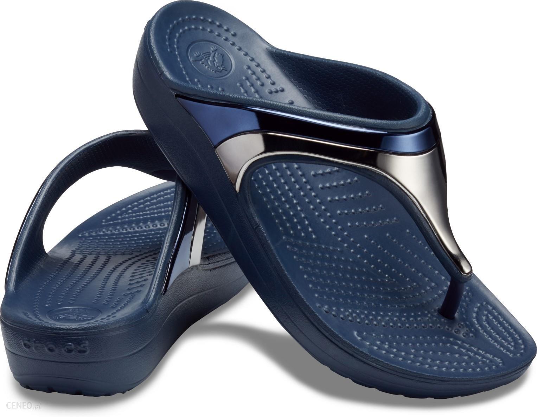 51927502 Crocs niebieskie japonki Sloane Metal Block Flip Multi Navy - W9 - zdjęcie 1