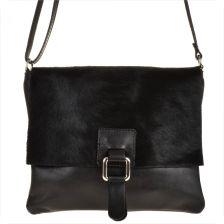 67807cbae76e0 Genuine Leather Modna skórzana listonoszka czarna z klapą z futerkiem