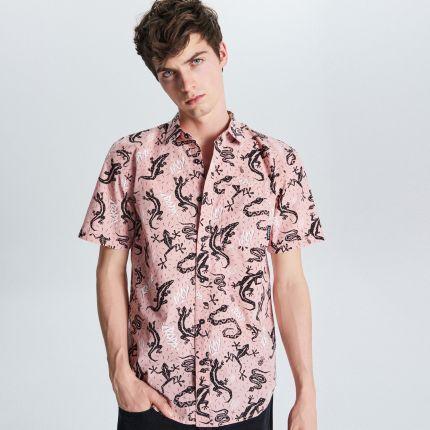 6b5f217ca34139 Cropp - Koszula z nadrukiem all over - Różowy ...