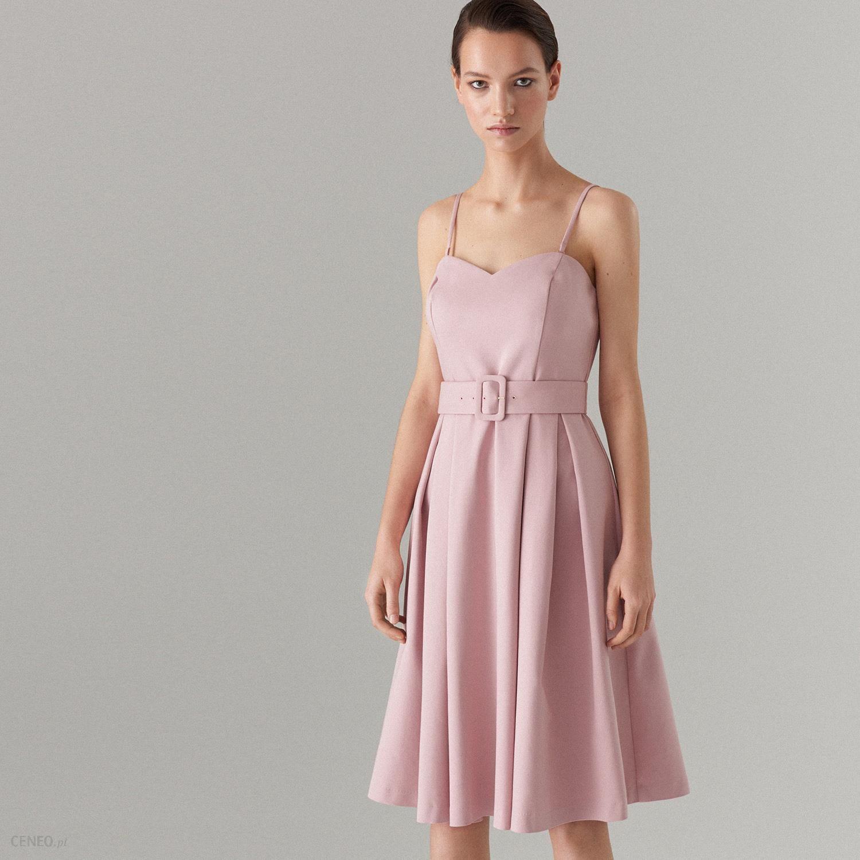 e7078687 Mohito - Rozkloszowana sukienka z paskiem Celebration - Kremowy - Ceny i  opinie - Ceneo.pl