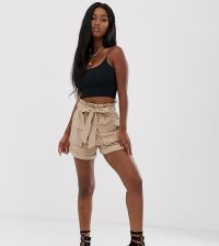 Missguided paperbag faux suede shorts in beige - Beige - zdjęcie 1