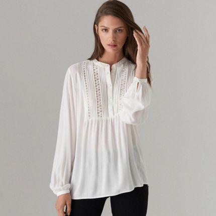 69304512ff1a23 Mohito - Elegancka bluzka z żabotem - Biały Mohito