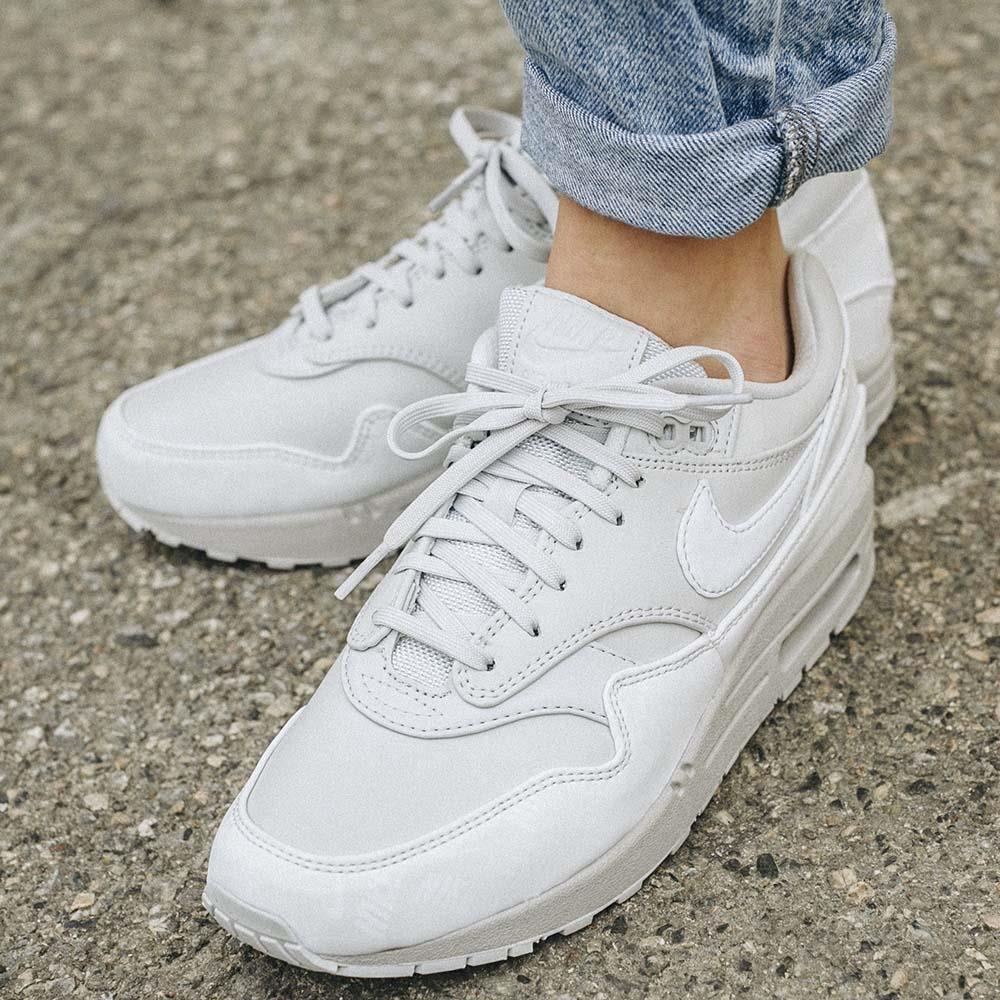 Nike WMNS Air Max 1 LX 'White' | 917691 002