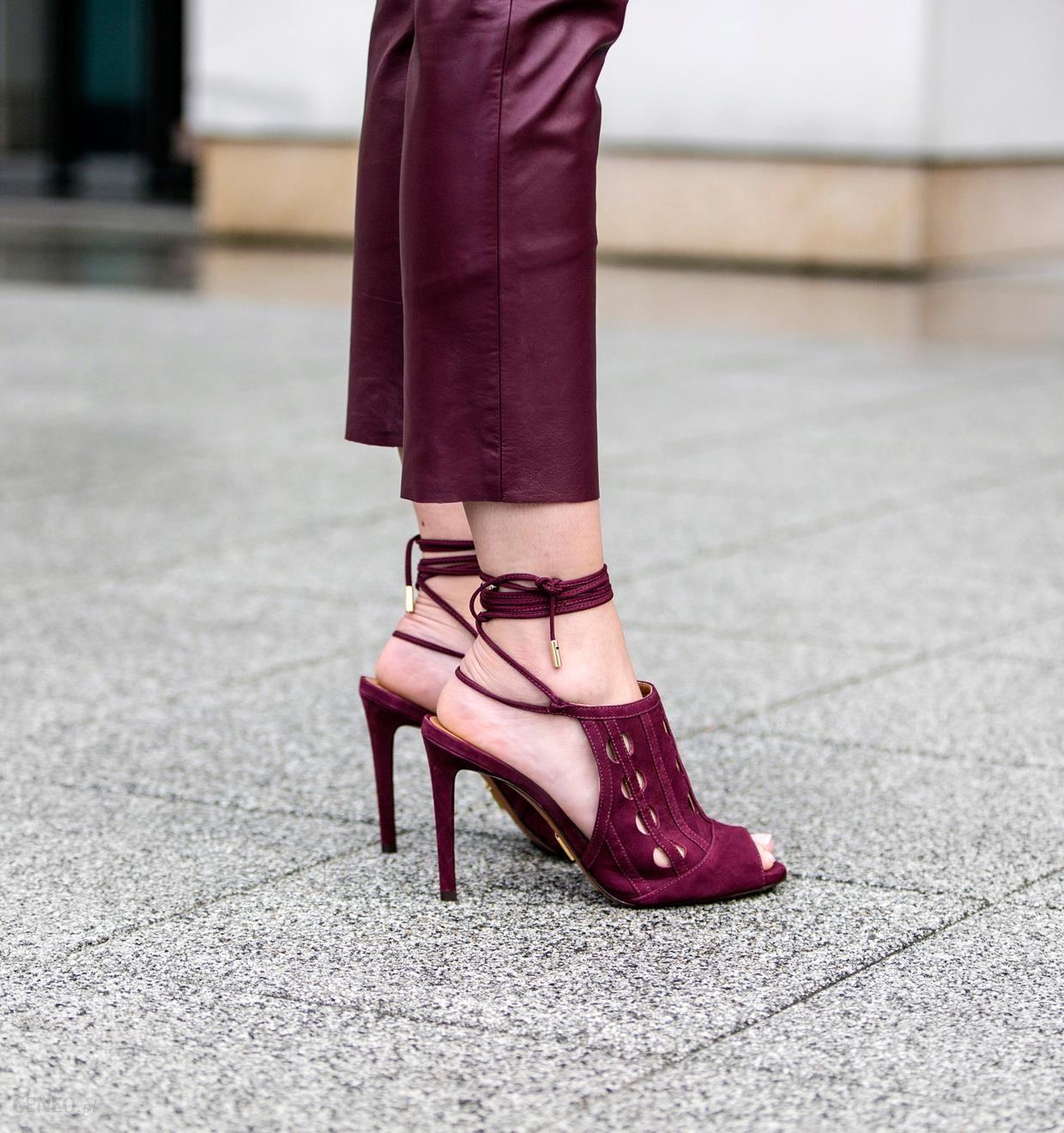 Ciemnobordowe sandały