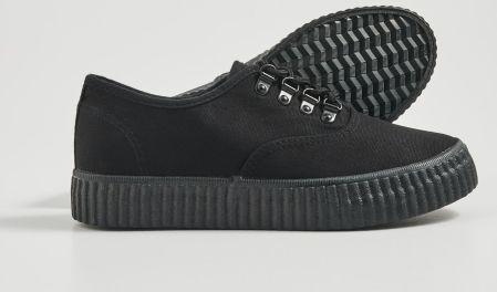 Sinsay Sneakersy w kwiaty Czarny Ceny i opinie Ceneo.pl