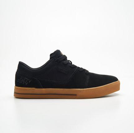 Cropp Skateboardowe buty ze skóry ollie Czarny Ceny i
