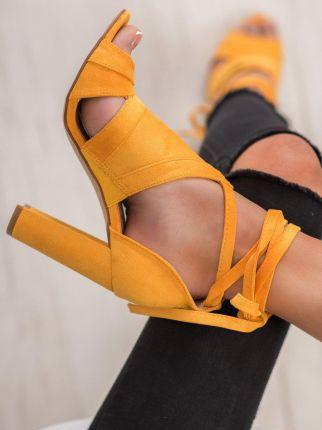 Modne Buty Damskie na koturnie włoskiej marki Bellucci Żółte