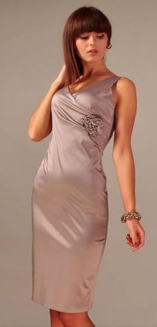 7dfd436304 Vera Fashion Elegancka sukienka Afrodyta w kolorze cappuccino